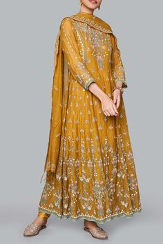 Designer Suits - Buy Saesha Suit for Women Online - - Anita Dongre Dress Indian Style, Indian Dresses, Indian Outfits, Designer Party Wear Dresses, Indian Designer Outfits, Trajes Pakistani, Shadi Dresses, Only Shirt, Pakistani Wedding Outfits