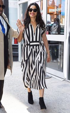 Freida Pinto from The Big Picture: Today's Hot Photos City stripes! The stylish lady rocks a black and white striped Akris dress in New York City. Freida Pinto, White Outfits, Big Picture, Red Carpet Fashion, Hottest Photos, Wearing Black, Fashion Forward, Celebrity Style, Rocks