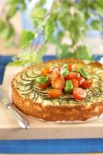 Kesäkurpitsa-fetapaistos ja marinoidut tomaatit | Kreikka | Pirkka