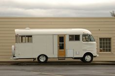Oh my!! I would really like this camper.. Xx Caravan love.. Xx