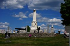 Katahdin Woods & Waters Scenic Byway Gallery – Civil War Memorial in Sherman Mills Maine Cemetery (Photography: Thierry Bonneville)