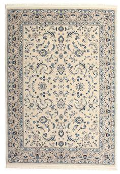 De patronen van deze prachtige machinaal geknoopte tapijten zijn duidelijk geïnspireerd op traditionele Perzische tapijten.  Het resultaat is een tapijt dat uitstekend past in zowel een modern als klassieker interieur.