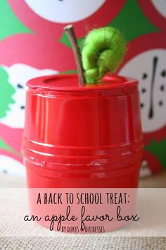 Home Interior And Gifts Upcycle a solo cup into a cute and easy apple favor box that& perfect for a teacher gift or a back to school treat for the kids! Diy Craft Projects, Projects For Kids, Fun Crafts, Crafts For Kids, Craft Ideas, Upcycling Projects, Diy Ideas, Party Ideas, Back To School Kids