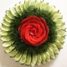 No photo description available. Vegetable Decoration, Vegetable Design, Food Decoration, Salad Design, Food Design, Salad Presentation, Veggie Art, Creative Food Art, Food Carving