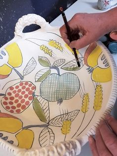 Asa Oloffson shares her underglaze recipe and explains how she creates the colors and the characteristics she desires. Try the underglaze recipe yourself!