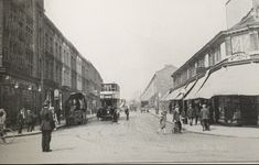 Graham Road looking west from the junction of Mare Street c. Source: A Hackney Heart Victorian London, Vintage London, Bethnal Green, Old Photos, Graham, 1920s, Street View, Heart, People