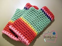 Free Crochet Pattern: Fingerless GlovesThis is a great basic way to create a pair of fingerless gloves for all of your friends and family!Use your scrap yarn and make them striped or even just solid!H