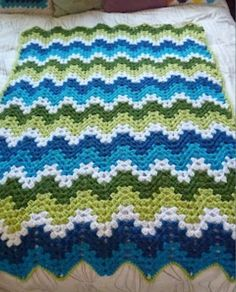 Simply Stoked: Crochet Granny Ripple Afgan , loving the color combo ! Crochet Afghans, Crochet Ripple, Crochet Quilt, Afghan Crochet Patterns, Knit Or Crochet, Crochet Granny, Baby Blanket Crochet, Crochet Crafts, Crochet Stitches