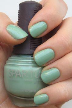 Spa Ritual in Moss - beauty of a summer shade. Nail Colors, Colours, Spa, Nail Polish, Nails, Mountain, Beauty, Green, Summer