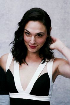 Welcome to dailygalgifs, your daily source for gifs and news of actress & model Gal Gadot. Caroline Forbes, Pretty People, Beautiful People, Gal Gardot, Gal Gadot Wonder Woman, Famous Women, Hollywood Actresses, Beautiful Actresses, Pretty Woman