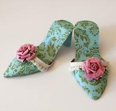 Tutorial para hacer zapatillas de papel. Juguetes de papel.