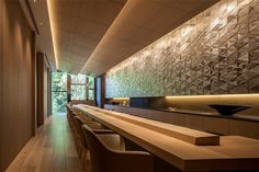 Four Seasons Hotel Kyoto Sushi Restaurant 'Wakon' Bar Interior Design, Restaurant Interior Design, Interior Decorating, Japanese Restaurant Interior, Japanese Interior, Sushi Restaurants, Restaurant Concept, Cafe Restaurant, Japanese Modern