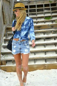 BLEACH OUT denim on denim= new take on denim on denim trend that is fresh for summer. Keep accessories understated and wear naturally.
