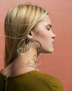 Sold as a single earring, the large hoop sits on the front of the earring post, measuring in diameter with 4 different and smaller mis-matched design circles on the inner edge. Sterling Silver Hoops, Silver Hoop Earrings, Face Jewellery, Jewellery Making, Homecoming Shoes, Earring Trends, Circle Earrings, Big Earrings, I Love Jewelry