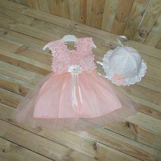 Προσφορά, φόρεμα βάπτισης χρώματος ροζ-σομόν, με δαντέλα. ΠΛΗΡΟΦΟΡΙΕΣ: Περιλαμβάνει καπέλο. Κωδικός Προϊόντος: ΡΚΠ.70 Girls Dresses, Flower Girl Dresses, Wedding Dresses, Flowers, Fashion, Dresses Of Girls, Bride Dresses, Moda, Bridal Gowns