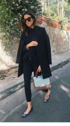 Chic black outfit with colourful flats and bag Fashion Mode, Work Fashion, Womens Fashion, Korean Fashion, Style Fashion, Mode Outfits, Chic Outfits, Fashion Outfits, Pretty Outfits