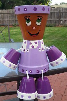 Répondre à Patty violet. Patty violet est à la recherche d'une nouvelle maison où elle peut compléter la décoration de jardin, bain de soleil dans le dos yard, se détendre sur le porche ou frisson dans la galette a/c. violet s'adaptera à n'importe quel décor et elle aime le printemps et l'été. Vous pouvez donner Patty violet quelque coiffure vous aimez puisque sa tête est un cache-pot, donc planter votre fleur préférée. Patty violet ne peut pas attendre de vous rencontrer, nous savons ju...