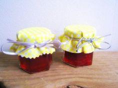 Nakpunar 30 pcs , 1.5 oz Mini Hexagon Glass Jars for Jam - monster berry!