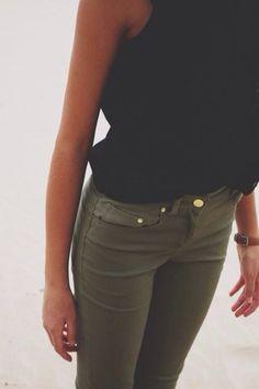 black tight pants. tumblr ile ilgili görsel sonucu