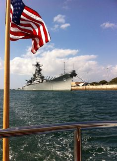 USS Missouri (present day). Naval History, Military History, Us Battleships, Navy Aircraft Carrier, United States Navy, American War, Navy Ships, Pearl Harbor, World War Ii