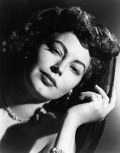 fuckyeahavagardner: Ava Gardner c. 1949