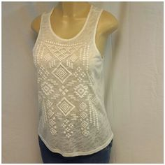 "FOREVER 21 White Slub Soft Mesh Tank size Medium FOREVER 21 White, Slub, Soft Mesh, Tank, size Medium, triangle diamond shaped puffed design, machine washable,  25"" length shoulder to hem, 18"" bust laying flat Forever 21 Tops Tank Tops"