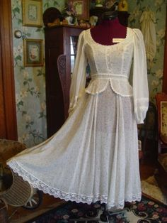 Love me some vintage Gunne Sax!
