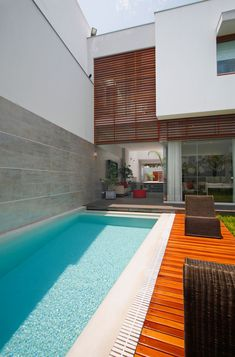 The Interaction Between Spaces: Contemporary House in Lima by Seinfeld Arquitectos