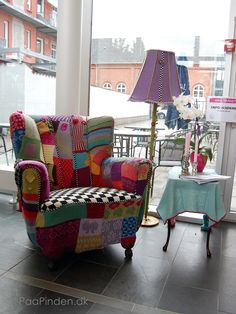 Oh, just found something to do with my stash!!! Knitted armchair