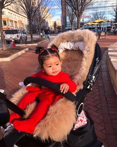 Ask yourself if you need baby tips? Detailed info you may find in our full post! Cute Mixed Babies, Cute Black Babies, Cute Little Baby, Pretty Baby, Cute Baby Girl, Little Babies, Cute Babies, Baby Kids, Beautiful Children