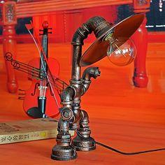 Pipe À Eau en métal Vintage Bureau Lampe Loft Industriel Rétro Nouveauté Robot Lampe De Table Pour L'étude Chambre Bar Lumière(China (Mainland))