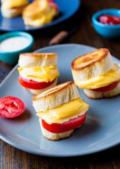 Mini grilled cheese from @Averie Sunshine {Averie Cooks} Sunshine {Averie Cooks}