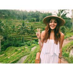 "583.4k Likes, 8,881 Comments - Hande Erçel (@handemiyy) on Instagram: ""Hi from Bali ✌🏻🏝"""