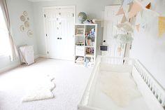 quarto bebe decorado branco