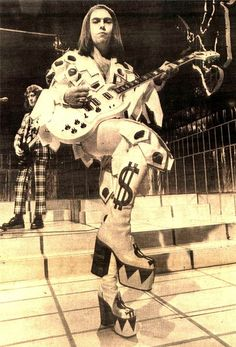 Dave Hill of Slade, 1972 - Glam Rock! 70s Music, Music Pics, Music Stuff, Rock Music, 70s Glam Rock, Glam Rock Bands, Diamanda Galas, 70s Artists, Noddy Holder
