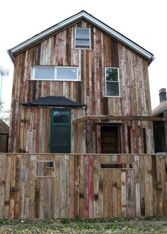 Reclaimed wood exterior cladding in Chicago