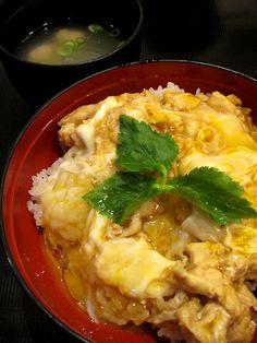 """""""鶏三和""""@三重・EXPASA御在所(bowl of rice with chicken and eggs)"""