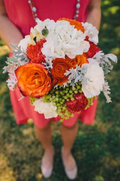 Orange and white bouquet #coral #orange #bouquet