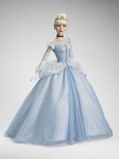 "22"" Cinderella - Disney Princess Collection - Tonner Doll Company"