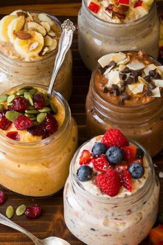 Get ahead for breakfast by making up a pot of wholesome overnight oats! #healthybreakfast  #overnightoatsrecipes  #oatsrecipes #oatsrecipesforweightloss #overnightoatsrecipes #oatsrecipesideas #gfoatsrecipes #oatsrecipessmartreat #oatsrecipesinnigerian Chocolate Cupcakes, Chocolate Recipes, Oats Recipes, Cooking Recipes, Blueberry Oatmeal Cookies, Streusel Cake, Healthy Food, Healthy Recipes, Brownie Batter