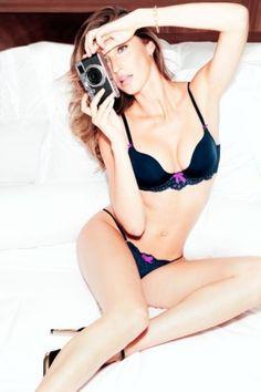 Gisele Bündchen präsentiert neue #Dessous-Kampagne | #Fashion Insider Magazin - Seit einiger Zeit posiert #Model Gisele Bündchen nicht nur in Dessous, sondern entwirft diese auch.