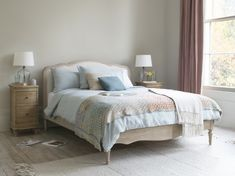 More French than a croissant riding up and down the Champs Élysees in a Peugeot. That's our weathered oak Mirabelle for you. The cheeky minx. White Bed Sheets, White Bedding, Loaf Beds, Bed Side Rails, Bedroom Turquoise, French Bed, Weathered Oak, Headboards For Beds, Luxury Bedding