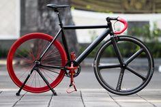 Fixed Gear Bike - Aerospoke carbon front wheel - Pink handlebar grip tape - Red back wheel