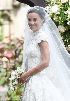 Pippa Middleton' s wedding day! / Sister to Kate Middleton! God Bless her! She looks beautiful! Pippa Middleton Style, Pippa Middleton Wedding Dress, Middleton Family, Pippas Wedding, Wedding Styles, Wedding Gowns, Wedding Outfits, Wedding Photos, Wedding Favors