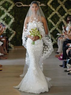 temperley london bridal 2013 love this! bride cosmetic bag Couture Gallery Wedding 2013 Oscar de la Renta Bridal Spring 2013 Wedding Dress m. Mod Wedding, Dream Wedding, Lace Wedding, Elegant Wedding, Wedding Bride, Floral Wedding, Wedding Dress With Veil, Long Wedding Veils, Flowery Wedding Dress