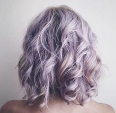 How to Get Lilac Hair for This Season? - Style Easily How to Get Lilac Hair for This Season? - Style Easily How to Get Lilac Hair for This Season? Box Braids Hairstyles, Latest Hairstyles, Mullet Wig, Lavender Hair, Pastel Lilac Hair, Coloured Hair, Lace Hair, Mermaid Hair, Dream Hair