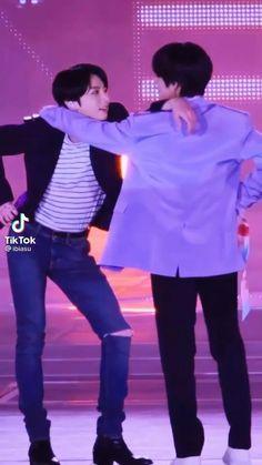 Bts Aegyo, Jungkook Abs, Jungkook Cute, Bts Bangtan Boy, Bts Memes Hilarious, Bts Funny Videos, Kim Taehyung Funny, Bts Taehyung, Taekook