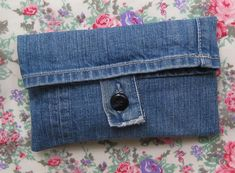 Upcycle denim pouch from a pair of old blue jeans.