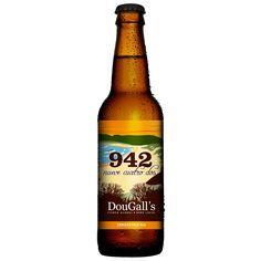 Cerveza Artesana 942 de Cerveza Dougall's. Es una cerveza rubia elaborada con malta de cebada y estilo American Pale Ale. Una cerveza aromática y sabrosa por la amplia aportación de lúpulo. IBU: 55 EBC: 10 Graduación: 4.2% Lúpulo Cascade y Simcoe Una cerveza artesana de Liérganes, Cantabria. Piensa en global, bebe local.