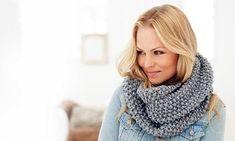 Free pattern on Ravelry: Moss Stitch Snood pattern by Rico Design Snood Knitting Pattern, Easy Knitting, Knitting Patterns Free, Free Pattern, Scarf Patterns, Simply Knitting, Knitting Scarves, Beginner Knitting, Crochet Scarves